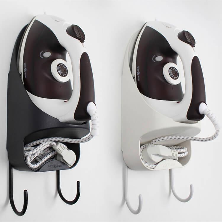 电熨斗和熨衣板挂架