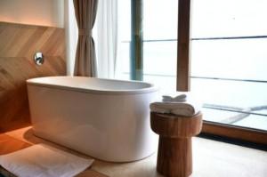 304不锈钢浴室置物架和浴缸阅读架