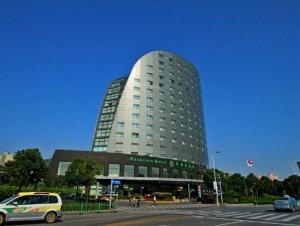 四星级上海东怡大酒店配置VOFUWOOD沃夫伍德品牌浴缸靠背头枕